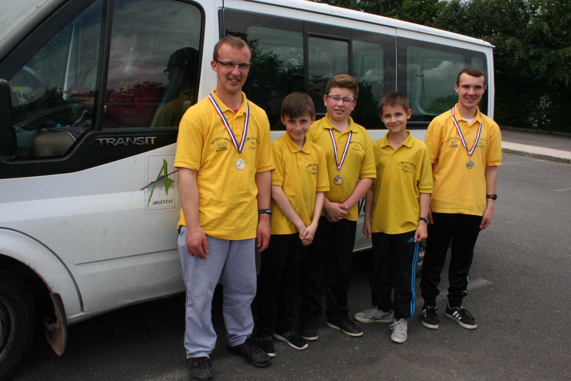 16 06 11 nos jeunes ecole medaille